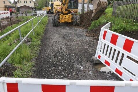 Neue Wasserleitung im Bau