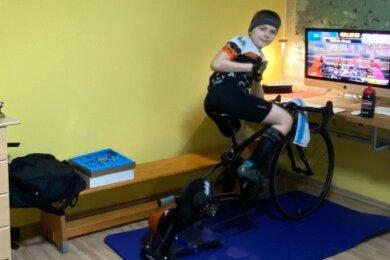Gerry Horn hat seit Mai vorigen Jahres auf seinem Smarttrainer im heimischen Kinderzimmer schon über 2600 Kilometer zurückgelegt.