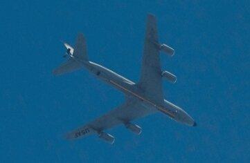 Ein Tankflugzeug des Typs Boeing KC-135 R war am Mittwochabend über Westsachsen im Einsatz.