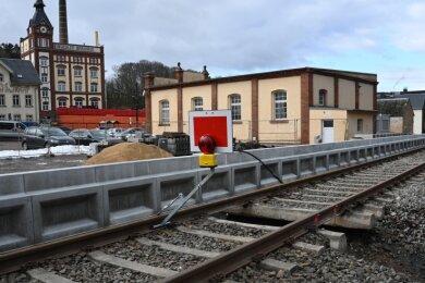 In der Nähe der Brauerei neben dem Sportplatz entsteht derzeit einer von zwei neuen Bahn-Haltepunkten in Einsiedel.
