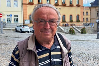 Günter Hofmann, aus Mylau stammender Autor zeitgeschichtlicher Bücher.