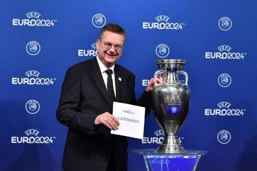 Grindel freut sich über die EM-Vergabe nach Deutschland