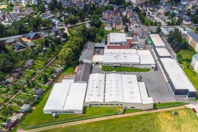Die Eibenstock Elektrowerkzeuge GmbH aus der Vogelperspektive. Links davon befindet sich die Kleingartenanlage. Der Neubau einer Alugießerei war an der Grenze dazu geplant.