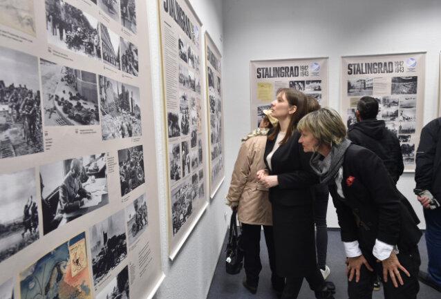Die Chemnitzer Oberbürgermeisterin Barbara Ludwig nahm am Freitag an der Eröffnung der Ausstellung teil.