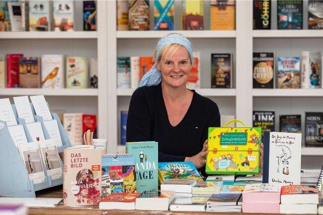 Nicole Müller-Mellage wagt mit ihrem Geschäft 'Das offene Buch' den Sprung in die Selbstständigkeit. Den Traum vom eigenen Buchladen habe sie schon immer gehabt.