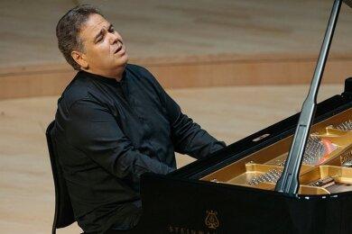 Arcadi Volodos - Pianist