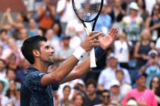 Djokovic besiegt Sousa souverän in drei Sätzen
