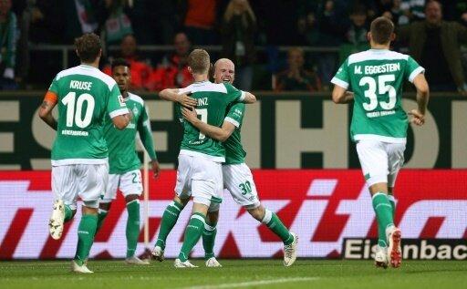 Davy Klaasen bejubelt seinen Treffer zum 1:0