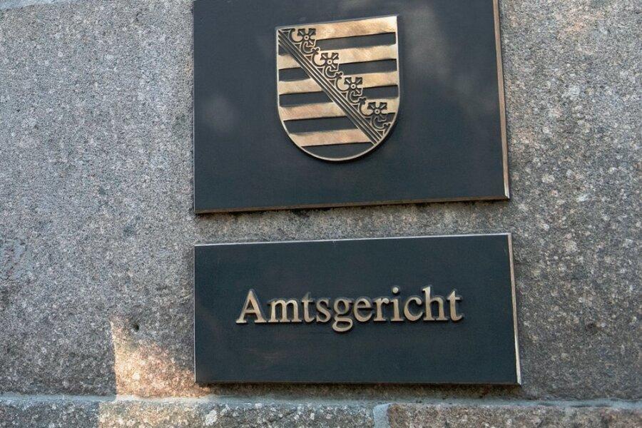 Bei einer Verhandlung vorm Auerbacher Amtsgericht wurden die beiden Angeklagten freigesprochen. Doch der Richter zweifelt an ihrer Unschuld. Foto: Hendrik Schmidt/dpa