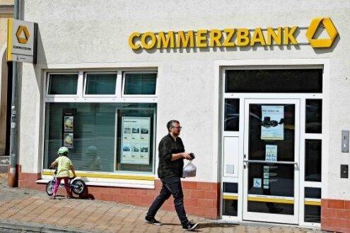 Die Entscheidung der Commerzbank, die Filiale an der Leipziger Straße in Werdau zu schließen, kommt für die Verantwortlichen im Rathaus überraschend.