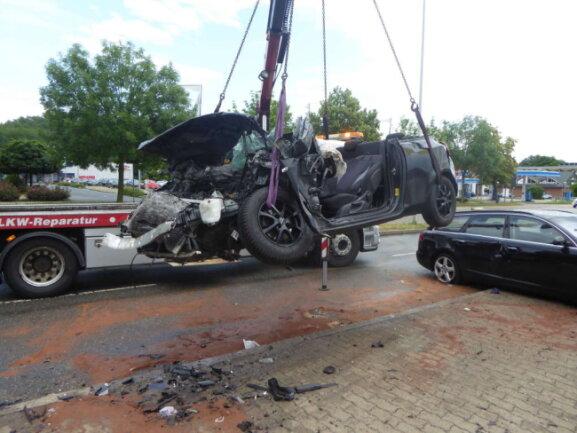 Die B93 war nach dem Unfall für mehrere Stunden gesperrt.