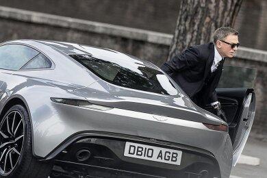 """Auf den neuen """"James Bond"""" mit Daniel Craig (hier in """"Spectre"""") müssen die Fans noch warten."""