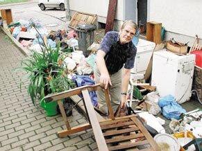 Noch lange an das Hochwasser 2002 werden die Mitarbeiter der Apotheke an der Einsiedler Hauptstraße denken.