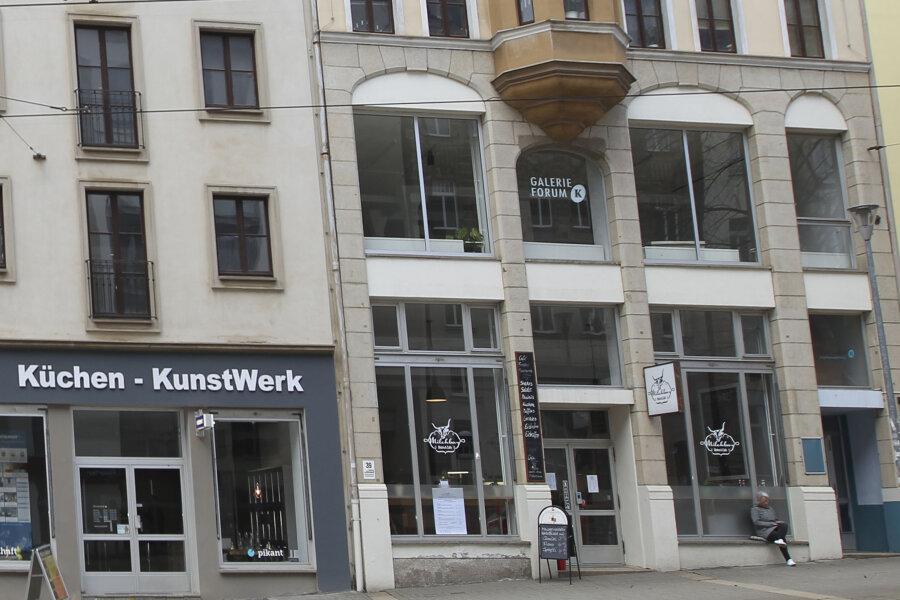 Die Galerie Forum K befindet sich an der Bahnhofstraße 39 in Plauen.