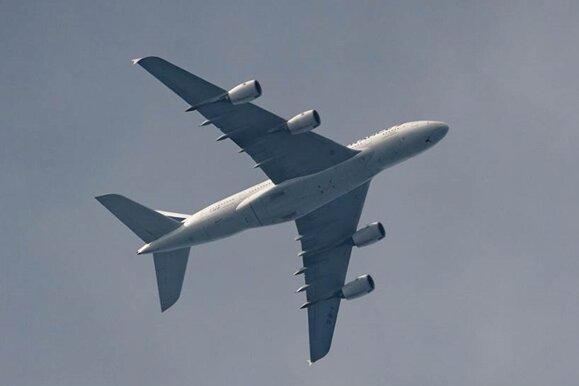"""Riesen-Airbus im """"Tiefflug"""" über Sachsen"""