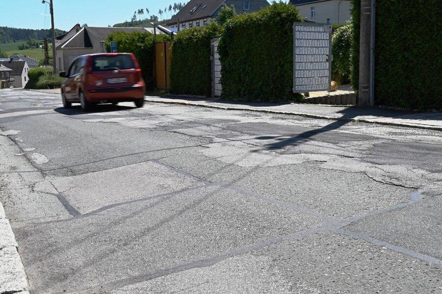 Ein Teil der Lessingstraße ist zuletzt schon erneuert worden, aber der Rest ist immer noch holprig. Das soll sich bald ändern.