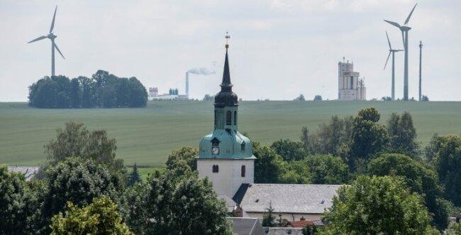Zwischen Wiederau und Diethensdorf soll ein neues, fast 250 Meter hohes Windrad errichtet werden.
