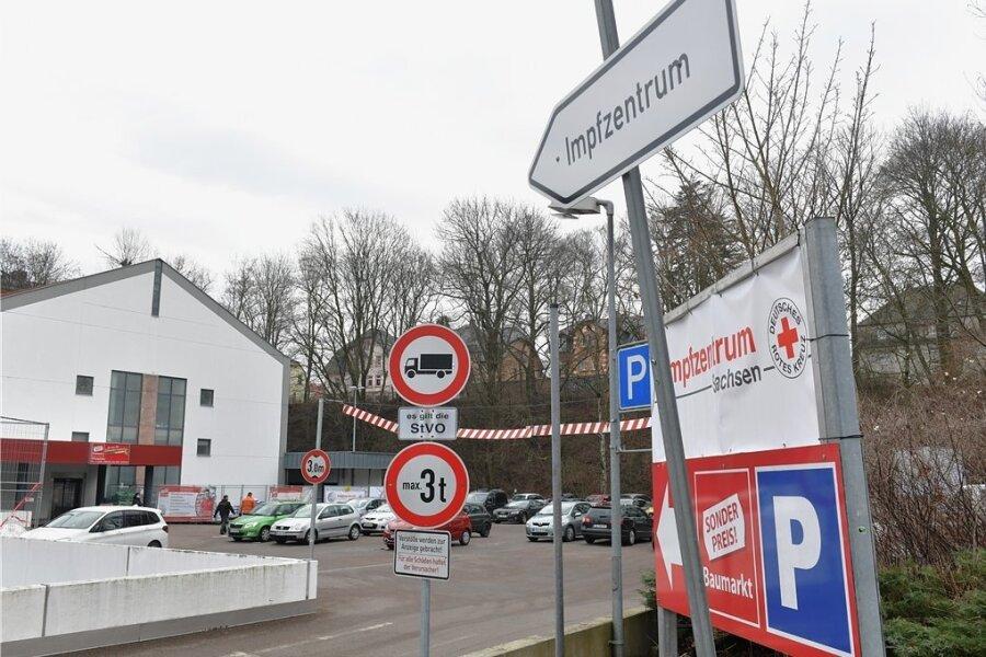 Das einzige mittelsächsische Impfzentrum befindet sich befindet sich im Obergeschoss des Simmel-Marktes an der Schillerstraße 1 in Mittweida.