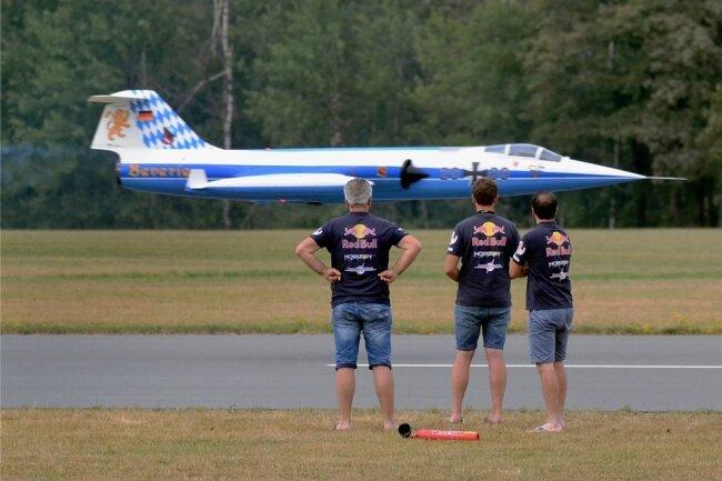 Ein 90 Kilo schweres Modell des Starfighters war unter anderem auf dem Auerbacher Flugplatz zu sehen.