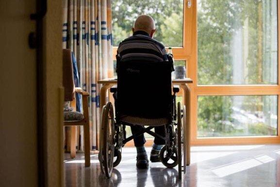Landtagskommission schlägt Pflegewohngeld in Sachsen vor