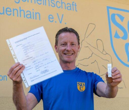 Die Kanusportler der SG Lauenhain, hier mit Trainer und Abteilungsleiter Uwe Kuhnt, haben ihre Tests vor den Einheiten teilweise in Eigenregie organisiert. Ob sie die Kosten dafür erstattet bekommen, ist noch unklar.