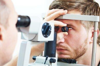 Im Glauchauer Klinikum wurden zuletzt zahlreiche Augen-Operationen verschoben.