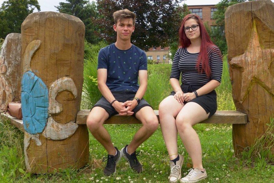 Hannah Briegert und Georg Borchardt vom Internationalen Gymnasium in Meerane haben das Abi unter Pandemie-bedingungen geschafft.