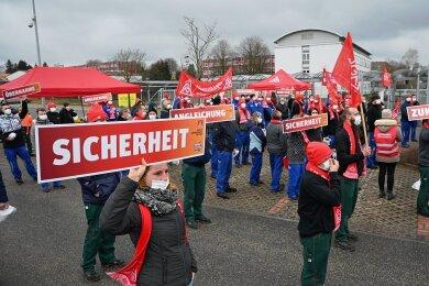 Beim Automobilzulieferer Vitesco Technologies in Limbach-Oberfrohna haben am Dienstagmorgen mehrere Beschäftigte die Arbeit niedergelegt.