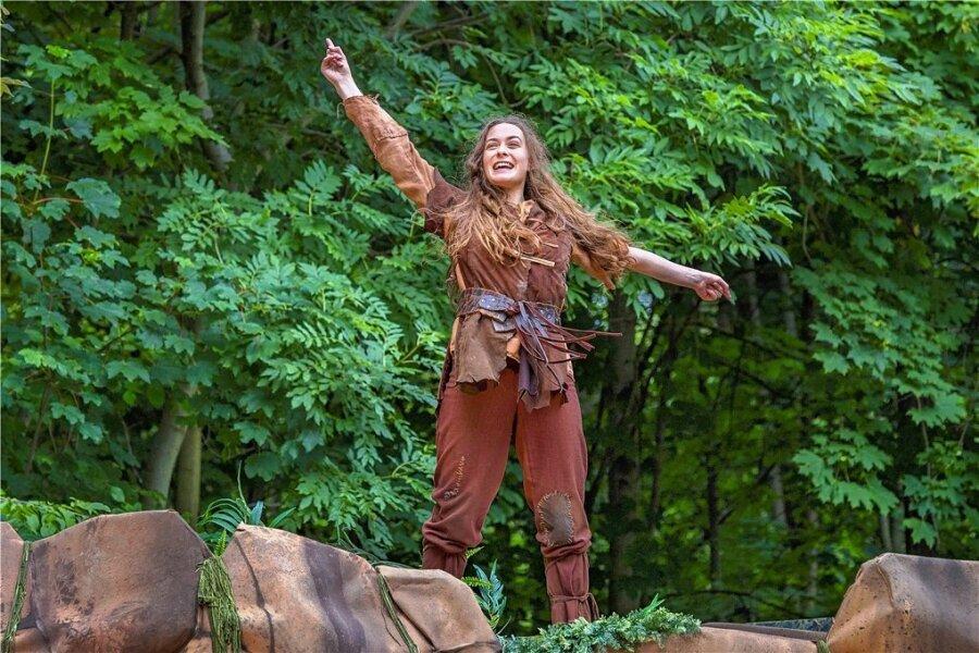 """Lisanne Hirzel spielt die Titelrolle in """"Ronja Räubertochter"""" auf der Küchwaldbühne. Für einige Vorstellungen gibt es jetzt noch Eintrittskarten. Foto: Nasser Hashemi/Theater"""