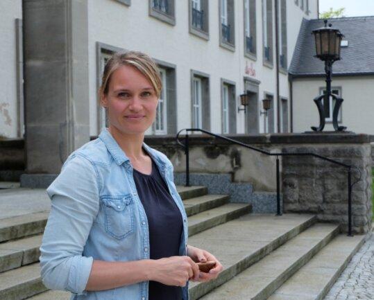 Ob und wann die Oelsnitzer Stadthalle in diesem Jahr ihre Pforten öffnet, das steht derzeit noch nicht fest. Für Heike Böhm, die im Februar die Leitung des Hauses übernommen hatte, wird ein Nachfolger gesucht.