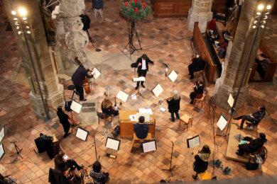 Das Weihnachtsoratorium wird im Freiberger Dom in absoluter Minimalbesetzung gespielt.