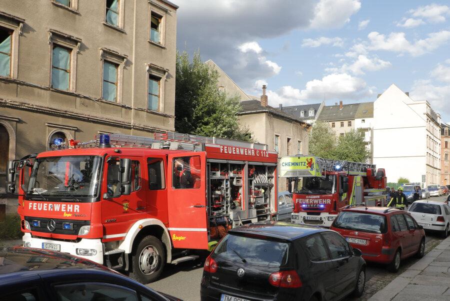 Feuer bricht in Abrissgebäude aus