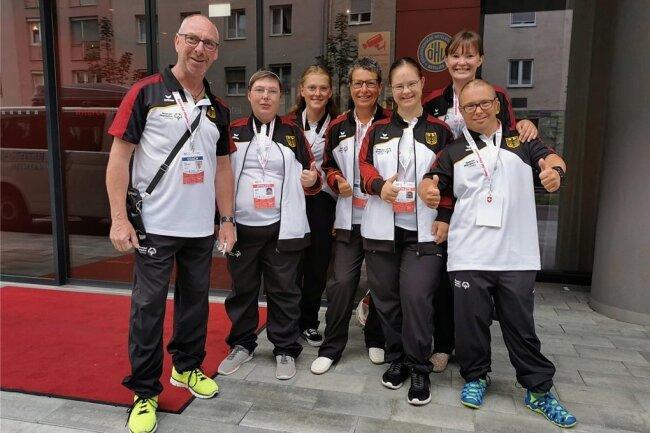 Das vogtländische Team, das für die Bundesrepublik Deutschland in Graz an den Start ging, von links: Jörg Dünnebier, Loreen Hüfner, Lilian Tröger, Steffi Pausch, Patricia Schramm, Madeleine Mothes und Daniel Pausch.