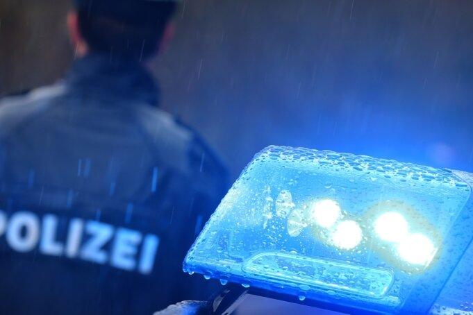 Die Polizei ist nicht nur bei Unfällen und Straftaten vor Ort, sondern führt auch genau Statistik über die Einsätze, so auch jüngst für den Landkreis Zwickau. Dabei fielen die Zahlen für Hohenstein-Ernstthal und St. Egidien auf.
