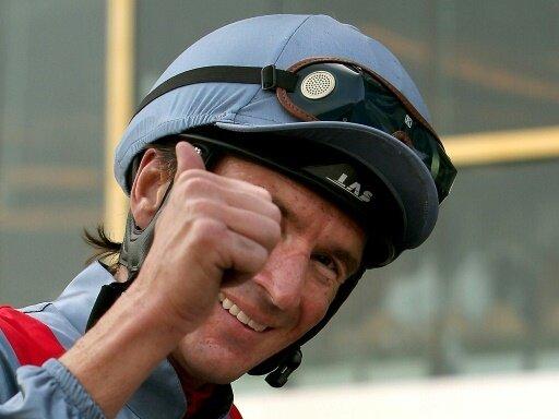 Weltstar mit Jockey de Vries gewinnen Galopp in Hamburg