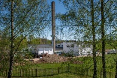 Ein Blick auf das frühere Gelände des Ziegelwerkes in Niederwiesa mit den 1988 errichteten Gebäuden für die Produktion von Spannkeramik. Heute ist das Areal ein Gewerbepark.