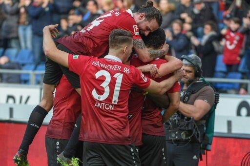 Hannover 96 zog ganz souverän in die nächste Runde ein