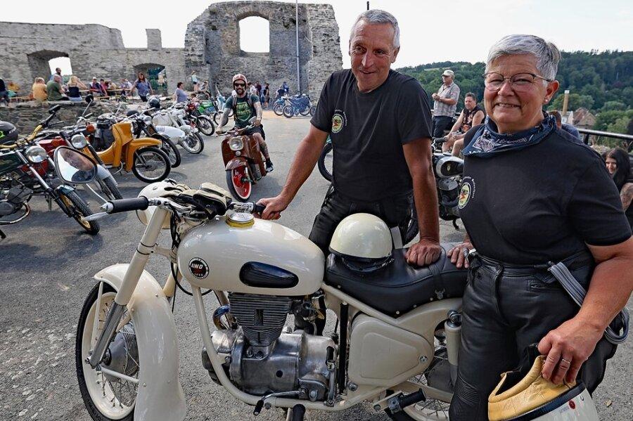 Ramona und Michael Müller waren zum ersten Mal beim Ruinenhupen in Elsterberg dabei.