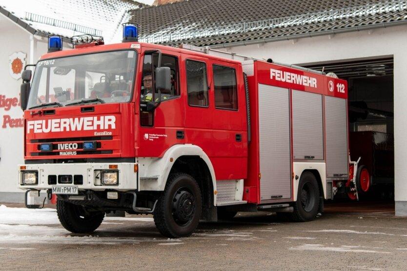 Dieses Löschfahrzeug der Peniger Feuerwehr soll durch ein neues ersetzt werden. Rund 522.000 Euro soll es kosten. Das Geld dafür ist im aktuellen Haushalt, der im Februar beschlossen werden soll, eingeplant. Noch in diesem Jahr will die Verwaltung dafür den Auftrag vergeben.