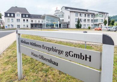 Soll für Corona-Patienten freigezogen werden: das Krankenhaus in Olbernhau. Gleiches ist mit dem Stollberger Krankenhaus geplant.