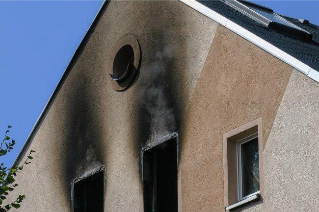 Lugau: Der Brand im Obergeschoss ist noch glimpflich verlaufen.