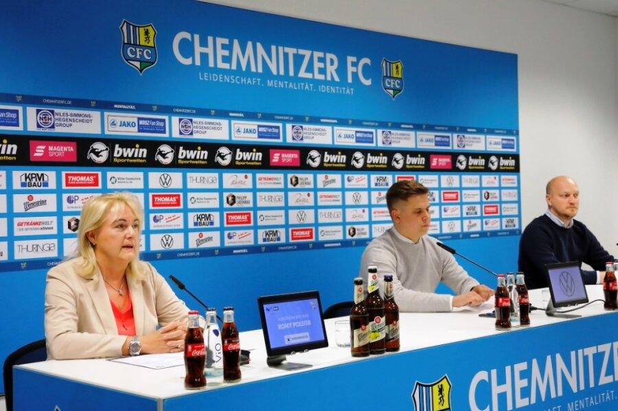 Romy Polster, Vorstandsvorsitzende, Steffen Wunderlich, Vereinspressesprecher, und Sportdirektor Armin Causevic (v.l.) bei der Pressekonferenz am Donnerstagnachmittag.