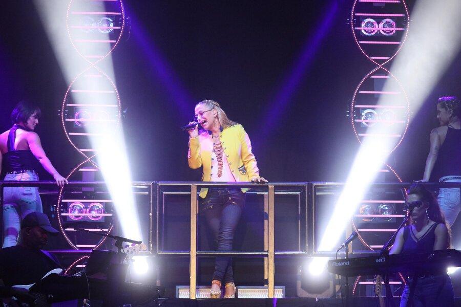 Anastacia begeistert mehr als 2000 Fans in Zwickau