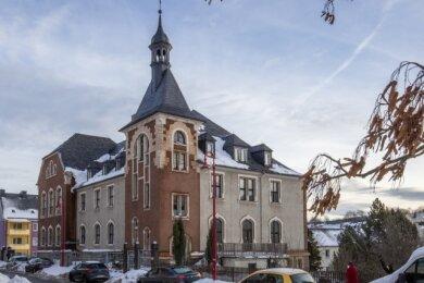 Das ehemalige Amtsgericht wird zur neuen Grundschule umgebaut. Das Gebäude wurde bereits von der Stadt gekauft.