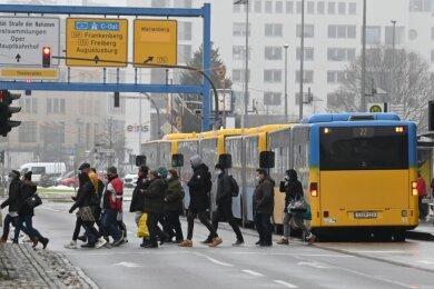 Ob zu Fuß, mit dem eigenen Auto, mit dem Rad oder mit dem öffentlichen Nahverkehr unterwegs: An Vorschlägen, was in Sachen Mobilität in Chemnitz verbessert werden sollte, mangelt es nicht.