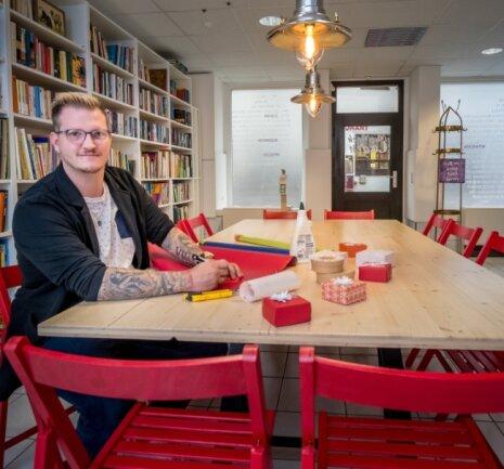 Der Mitmach-Laden des Kathrinchen-Zimtstern-Vereins, dessen Vorsitzender Florian Drechsel ist, lädt zum Zusehen, Ausprobieren und Selbermachen ein.