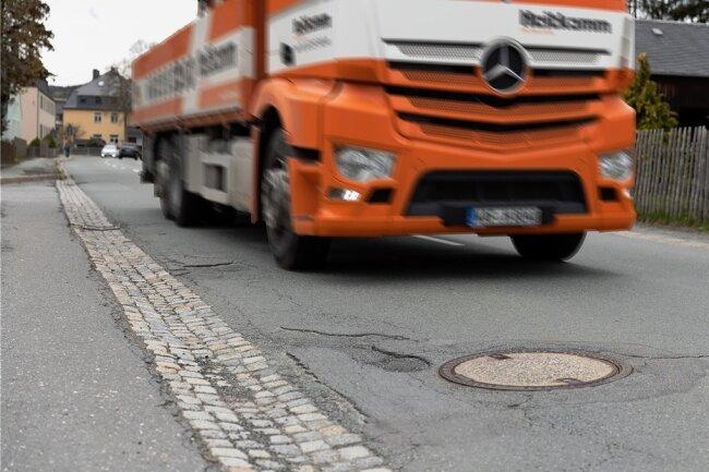 Der Zustand der Annaberger Straße in Herold sorgt bei einigen Anwohnern für Verdruss.