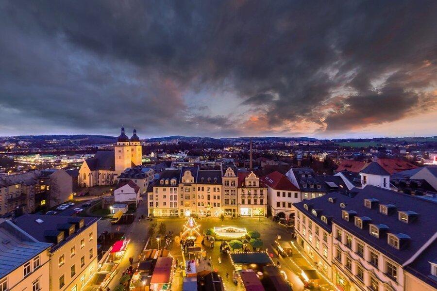 Der Plauener Weihnachtsmarkt bildet stets eine stimmungsvolle Kulisse. 2020 wurde er abgesagt, ob und unter welchen Bedingungen er 2021 stattfinden kann, ist noch ungewiss.
