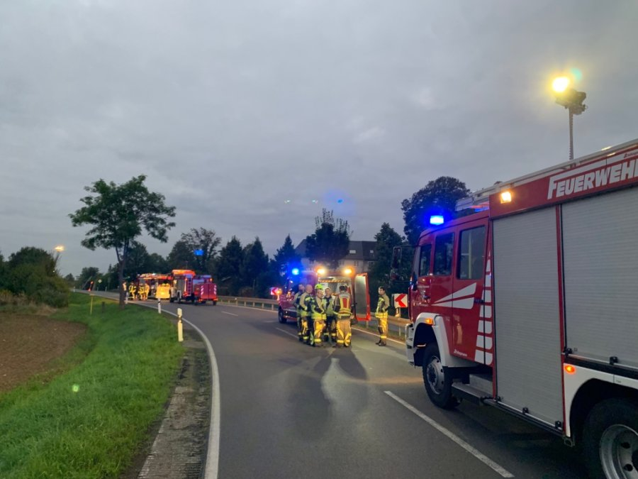 Lkw mit vier Tonnen Sprengstoff in Gersdorf umgekippt - Wohngebiete werden evakuiert