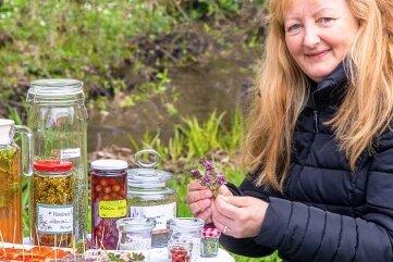 """Beim Online-Themennachmittag mit Katrin Dechant aus Schönerstadt geht es um """"Zukunftschancen für eine moderne Form der Landnutzung mit essbaren Wildpflanzen"""". Die Kräuterfrau schlägt einen Park in Oederan vor."""